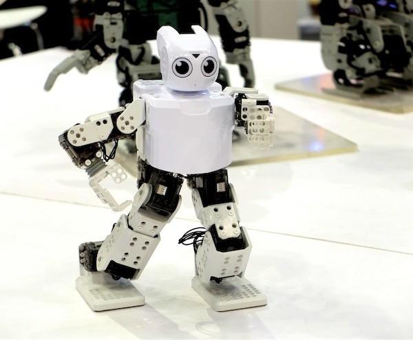 vokabre-2013-10-29-korean_saga-robotworld-083